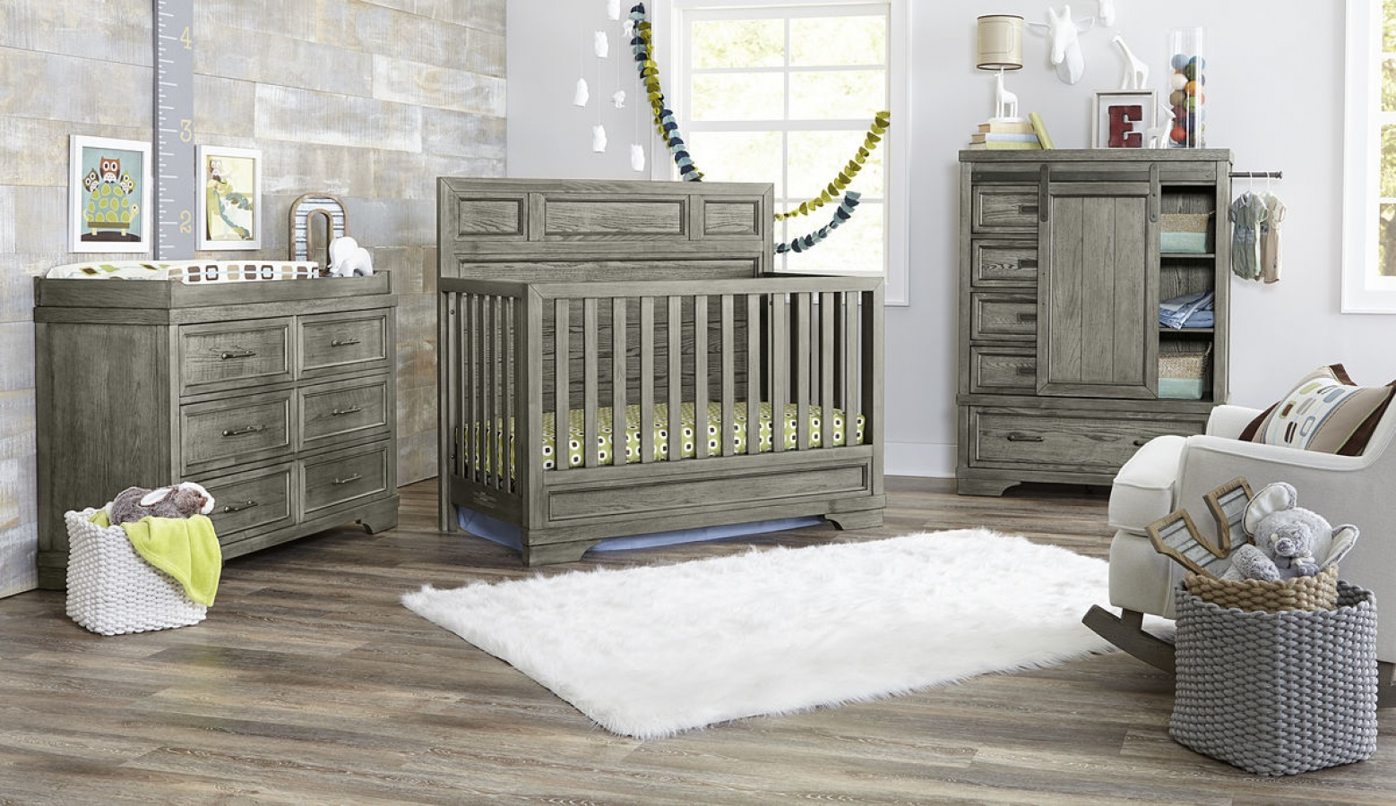 Foundry Flat Top Convertible Crib